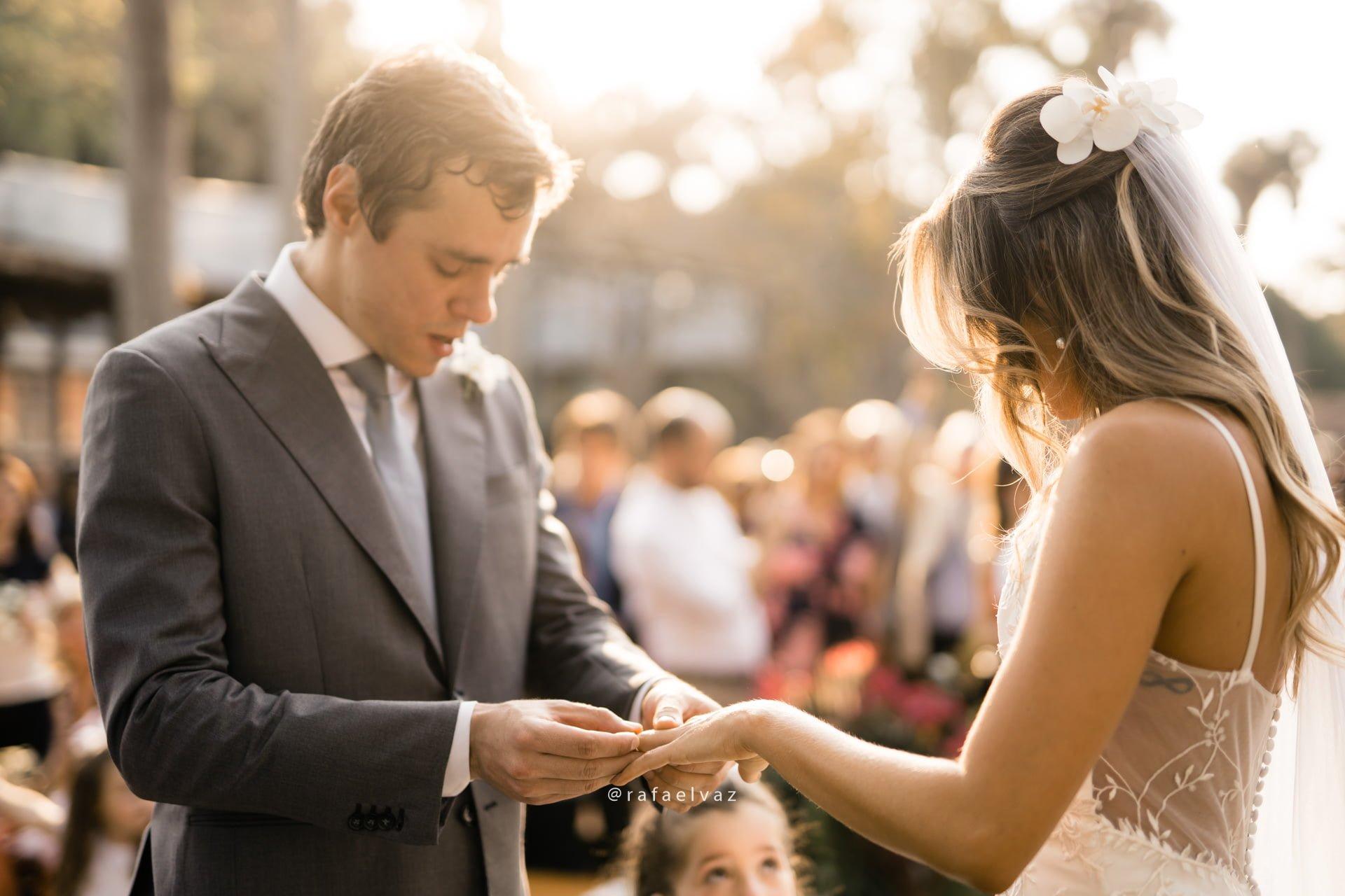 casamento julie e rafael, casamento na árvore, luz do sol no casamento, making of noiva, noiva, bride, bride to be, vestida de noiva, lapis de noiva, constance zahn