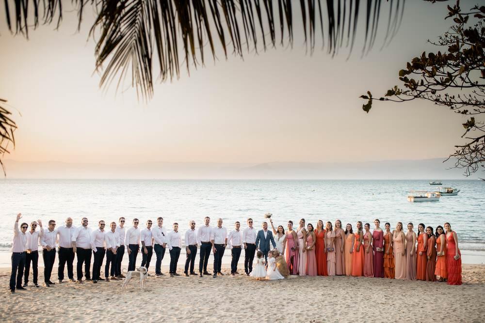 Casamento no Vila Salga Ilhabela, lindo casamento na praia, decoração linda, casamento de dia, cerimônia pé na areia, ensaio no pôr do sol