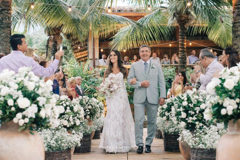 Casamento no Vila Salga, praia, Ilhabela, casamento de dia, pé na areia, ensaio na praia, decoração, fotografia de casamento, sp, noiva, vestido de noiva